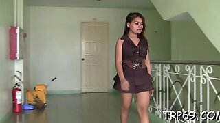 Getting orgasm with a Thai model