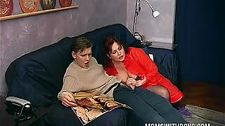 Randy Mom Shows how to fuck